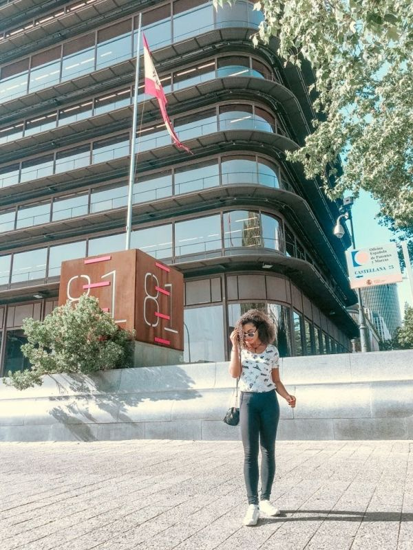 Eterna Turista - Cinco minutos en Madrid